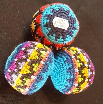 juggling-balls-turquoise